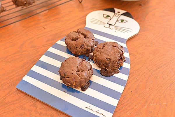こちらは「ざくざくアーモンドキャロブのいなきびスコーン」見た目はチョコたっぷりだが、もちろんチョコレートは不使用!