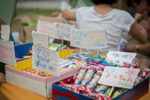 だがっしーは子ども達が自分たちで考えてお店を準備します。毎年、色々なアイディアが出て楽しい (写真:藤吉光恵)
