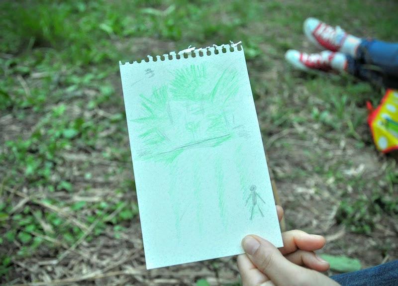 参加者の絵。草の上に寝転がった景色を描いたそうです