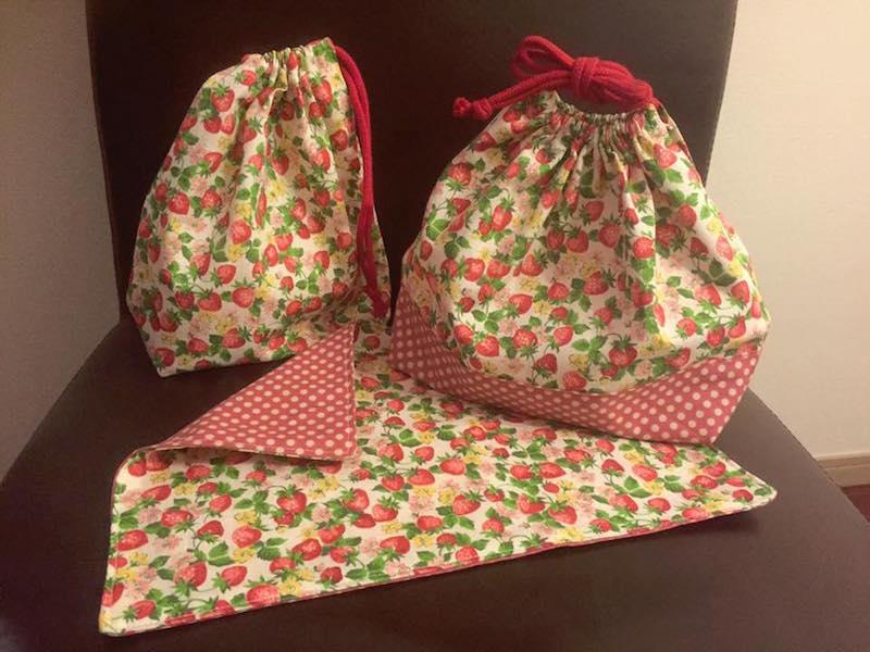 お弁当袋にランチョンマット、コップ袋……。これ、全部ママの手作りです。