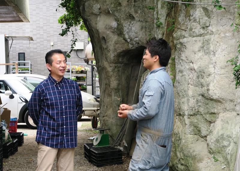 左から椿さんと永島さん。「みんなで横浜の農業を底上げしていこうという(永島さんの)姿勢に一緒にいてワクワクする」と椿さん