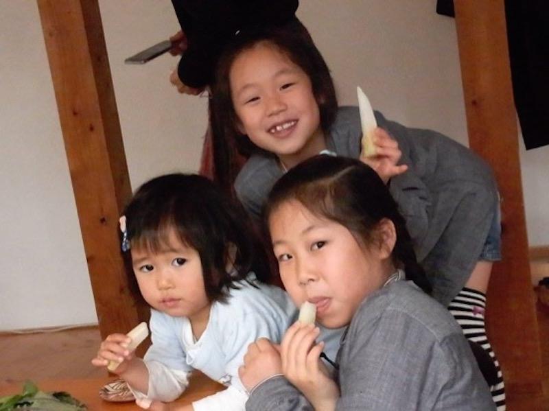 大橋さんのお米や野菜、松戸さんのうどんや醤油糀などの買い物も楽しむことができた