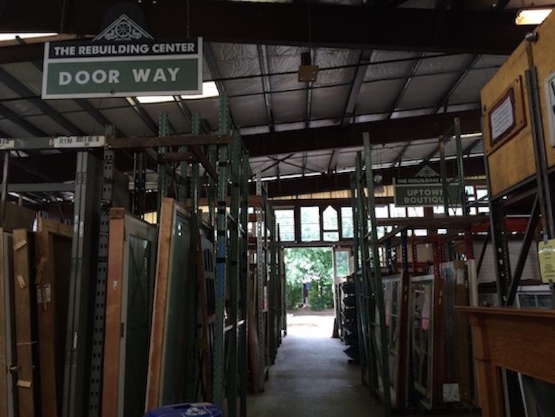 ミシシッピ通りにある「Rebuilding Center」。DIY文化が根付いているアメリカならではの風景。廃材を活用するのでエコの視点からも素晴らしい取り組み