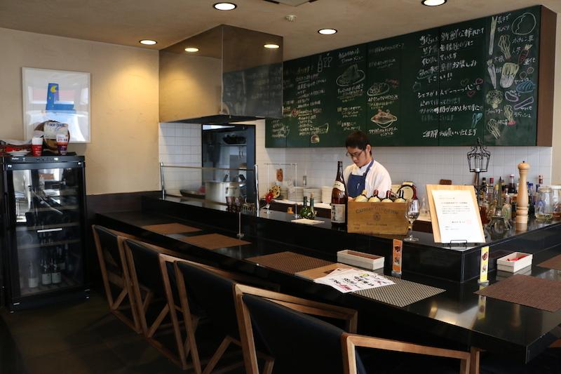 開店から数年後には、横浜市より「よこはま地産地消サポート店」として、登録されている同店。落ち着いた内装で、ゆったりとくつろぐことができる