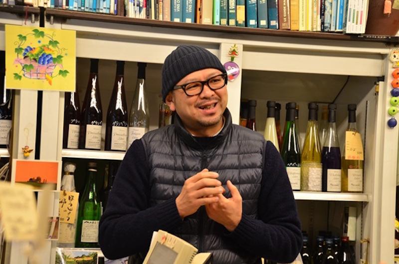 店主の竹之内一行さん。ワインアドバイザーでもあり、「分からないことは、なんでも相談してください」と頼もしいひと言