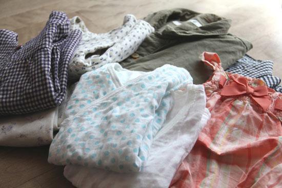 子ども服の端切れを持ってきて、くるみボタンづくりのワークショップはいかがですか?