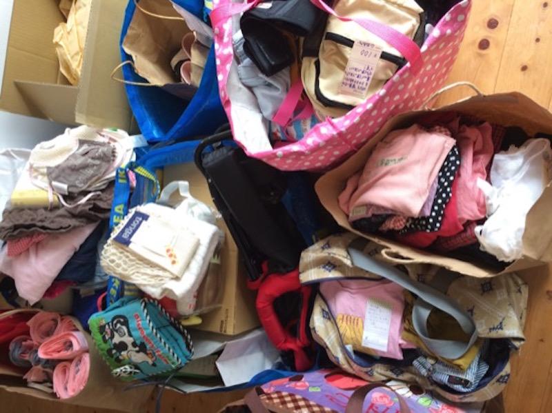 森ノオトの事務所に続々と集まってくる寄附品の数々