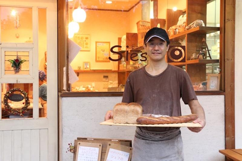 店主の水谷さん。パンの話を終始にこやかに話し、時に熱く語る姿から、パンはもちろん、「食」そのものへの愛情が伝わってくる