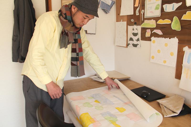 ラフスケッチを布にする時に、製版する形にあわせて清書する