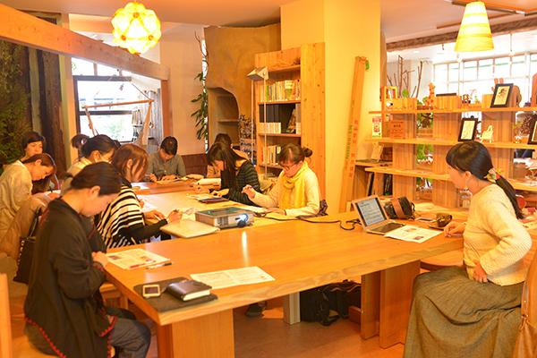 2016年度も開催する「リポーター養成講座」。常に新しいメンバーが入ることで、森ノオトの幅も広がってきている