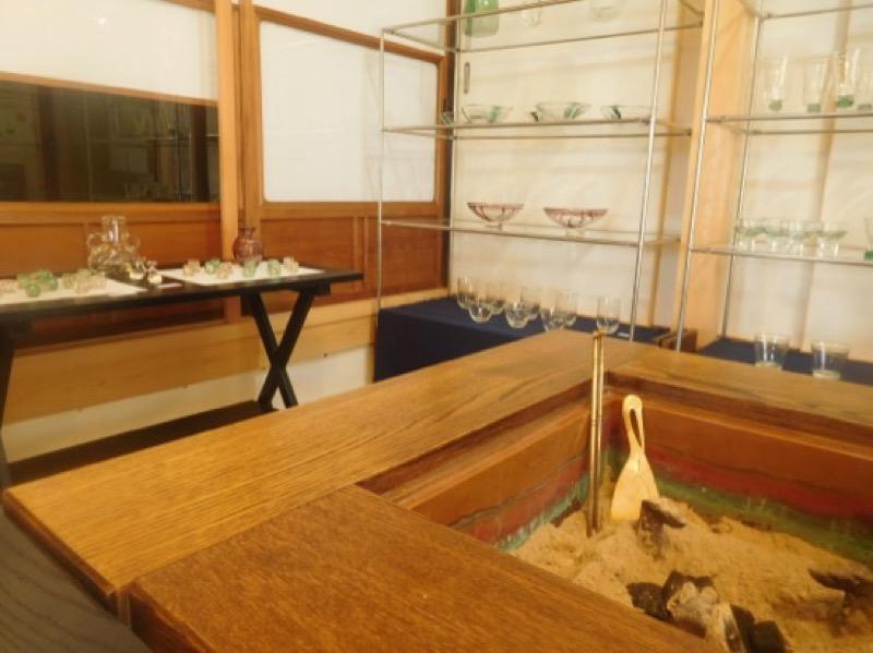 「……ぱちり、ぱちぱち」と炭のはぜる音が心地よい、青山亭につづくギャラリー木瓜の里